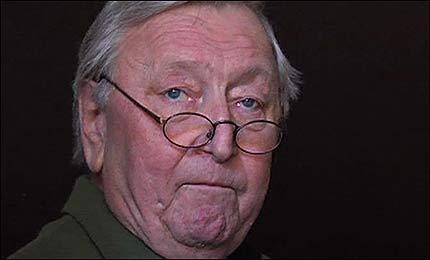 Rolv Wesenlund trakk seg fra rampelyset, er gammel og syk! thumbnail