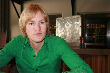 Øystein Greni sier at han er forelsket i en jente i Norge! thumbnail