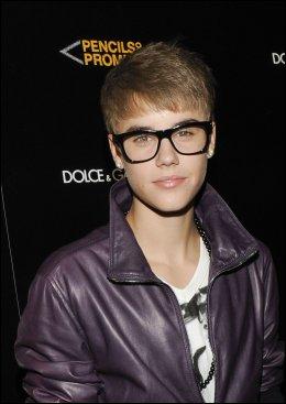 KOMMER TIL Å GIFTE SEG: Sangstjernen Justin Bieber (17). Foto: AFP