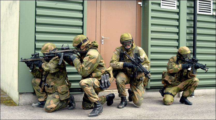 ØVELSE: Heimevernssoldater fra spesialavdelingen under en øvelse i fjor. Nå kan det blir færre i HVs mobiliserbare styrke. Foto: SCANPIX
