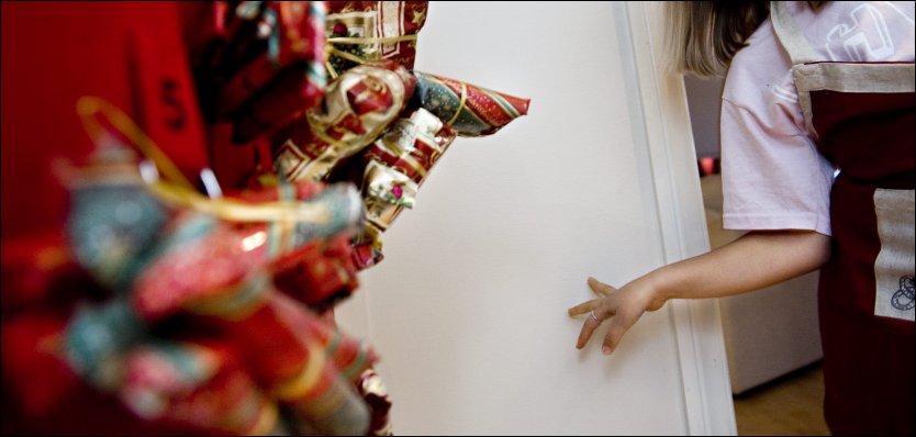 DYREBAR NEDTELLING: Innholdet i barnas hjemmelagde julekalendere blir stadig flottere og dyrere. Foto: Kristian Helgesen, VG
