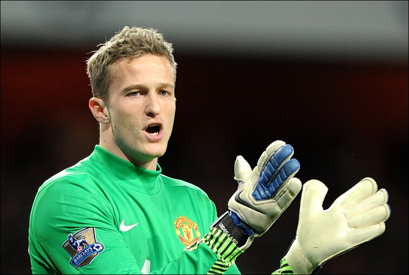 KLAR: Anders Lindegaard har god tro p&aring; at han igjen vil bli Sir Alex Fergusons f&oslash;rstevalg i m&aring;l. Foto: Scanpix/PA.