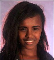 Mona Abdinur (18)